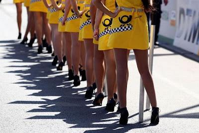 http://1.bp.blogspot.com/_mmBw3uzPnJI/S_u_UVIihkI/AAAAAAABSMk/UPLEy5JCh9E/s1600/Formula1_Pit_Babes_36.jpg