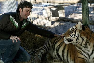 Kebun Binatang Paling Berbahaya di Dunia - Lujan Zoo5