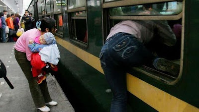 crowded train stations in china 21 Inilah Antrian Terpanjang di Dunia !