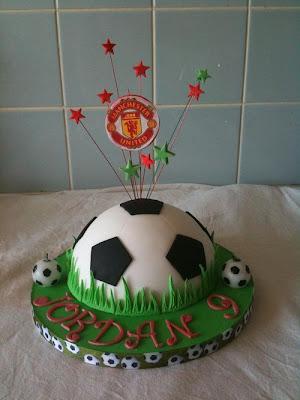 فن الحلويات Creative_cake_designs_21