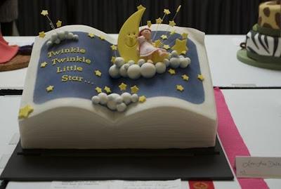 فن الحلويات Creative_cake_designs_32