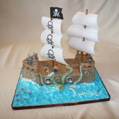 فن الحلويات Creative_cake_designs_04