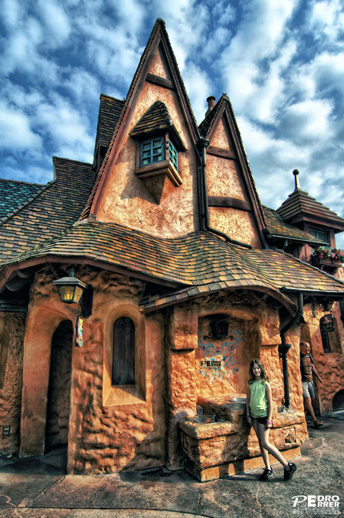 45 fairy tale houses in real world damn cool pictures for Real home design