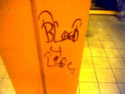 bloods gangs, graffiti art