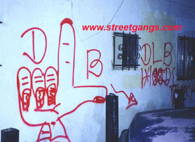 blood-piru-graffiti