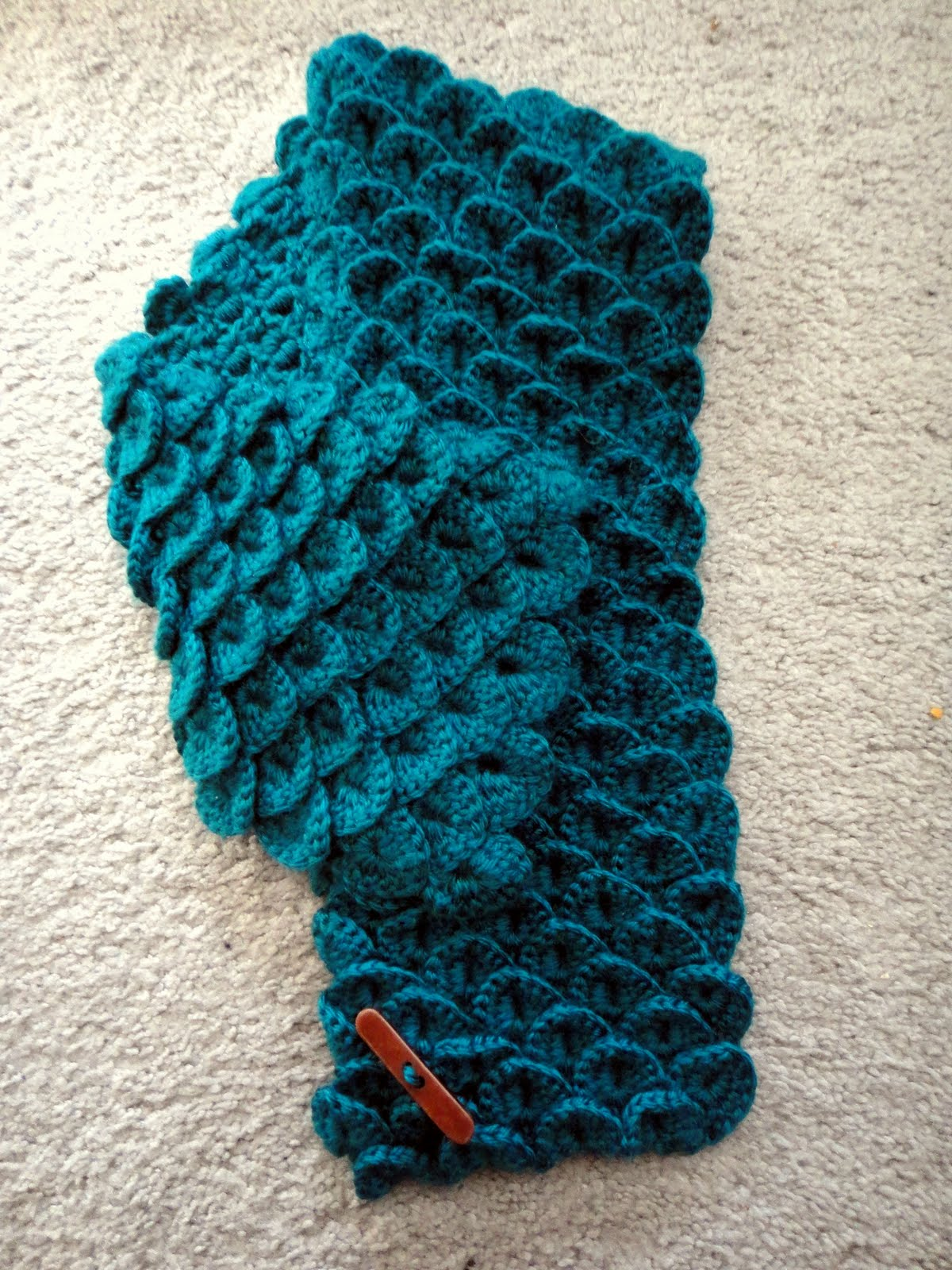 Knitting Pattern Alligator Scarf : Yarn Muse: Crocodile Stitch
