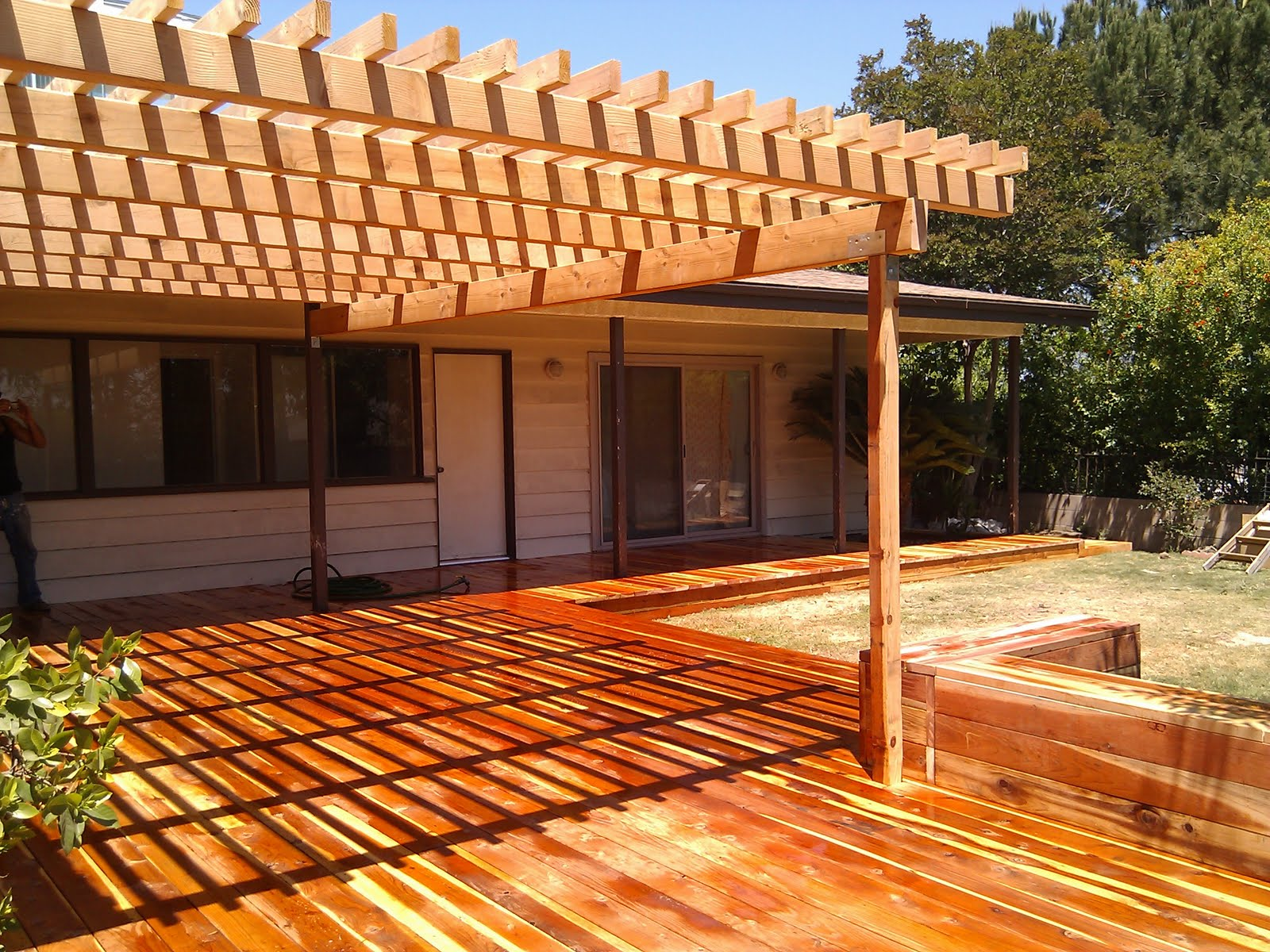 Los angeles decks by redwood deck and for Redwood deck plans