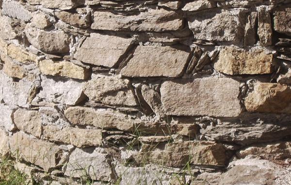 Ristrutturazioni in pietra e legno: Lavori in pietra