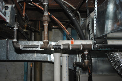 water heater code (straps exspansion tank)