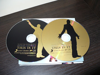 Michael Jackson's THIS IS IT - The Music That Inspired The Movie 88697606742 cd label