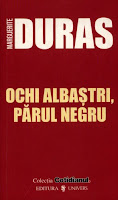 ochi albastri parul negru