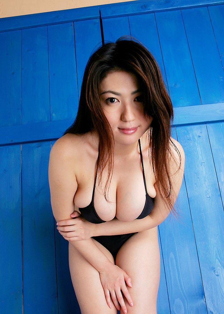 nonami takizawa beach bikini photos 02