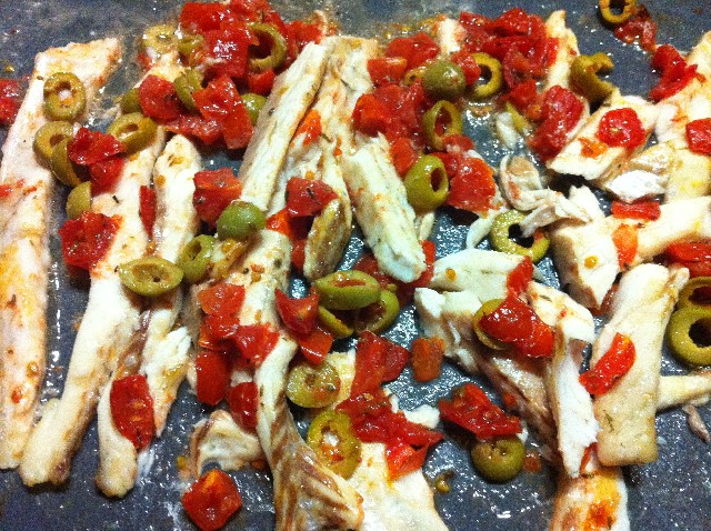 Bambini golosi branzino al forno con olive e pomodori for Cucinare branzino