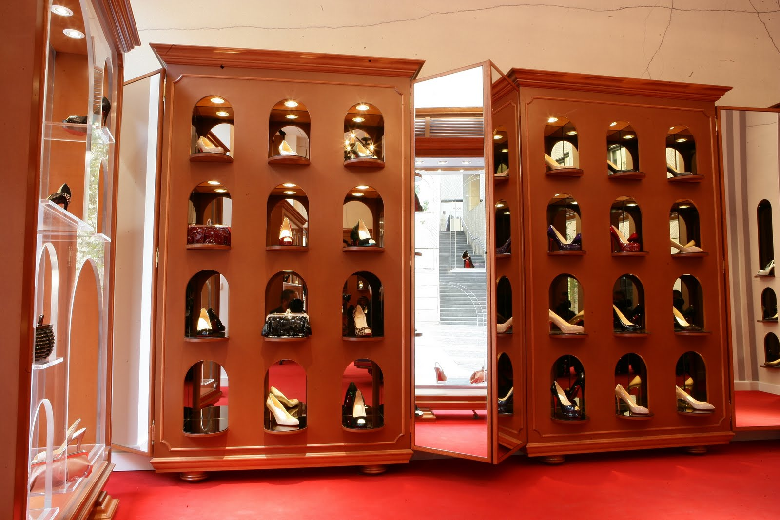 Fashion gossip christian louboutin boutique opens in beirut for Boutique design consultancy