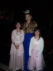 Anna and my neice with Miss Alabama