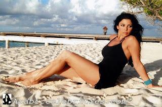 haifa wahbi en maillot a la plage