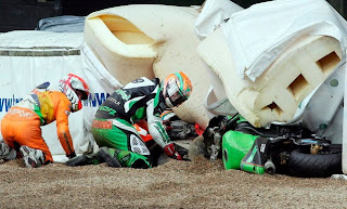 photo accident motogp Race