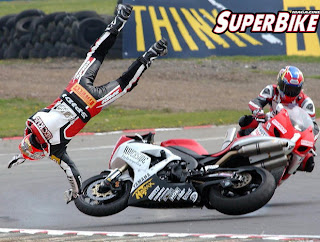 accident superbike Race