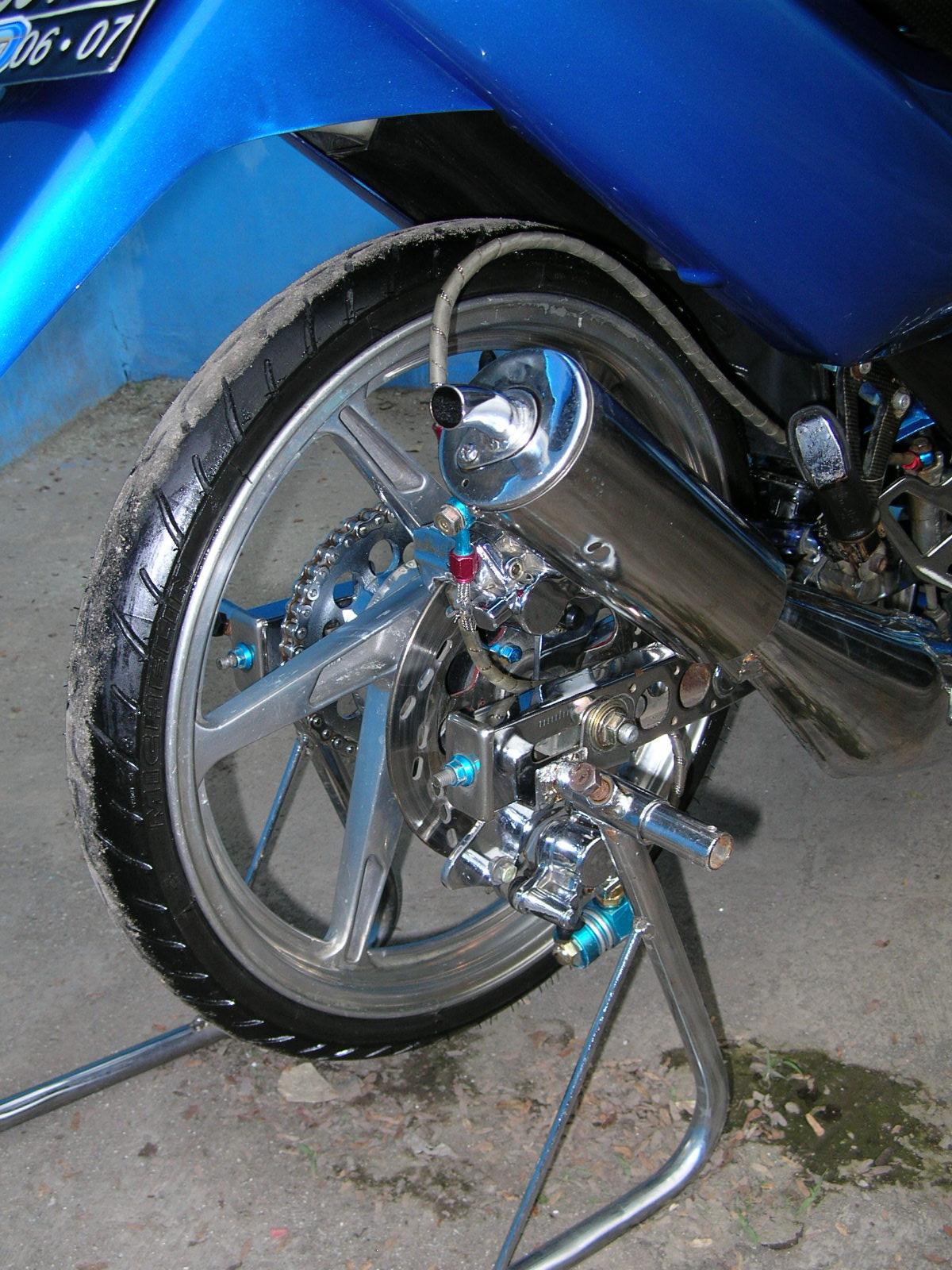 modif suzuki satria blue color airbrush title=
