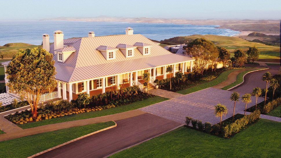 Luxury hotel villa kauri cliffs lodge kerikeri new zealand for Great accommodation