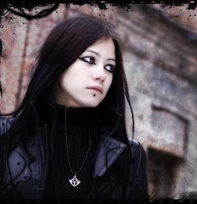 http://1.bp.blogspot.com/_my5OGIJd4kM/Ser2Pl02SUI/AAAAAAAAEug/lP63P0L1yG8/s400/gothic-girls001.jpg
