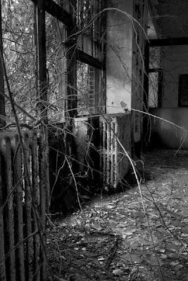LUGARES ABANDONADOS-LUGARES OLVIDADOS (sitios fantasma en el mundo) Interior6