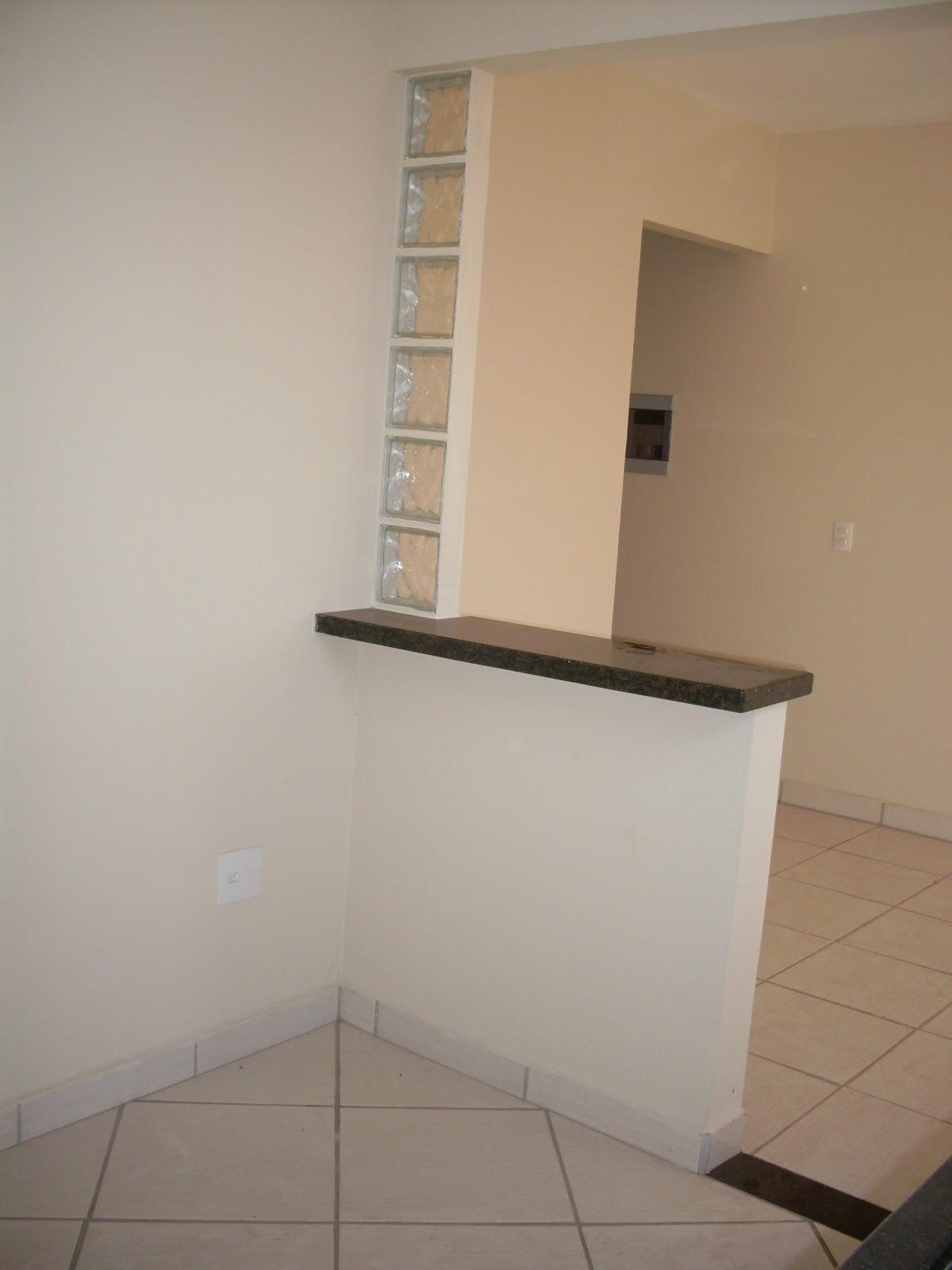 Nessa parede da cozinha terá armários em MDF com mesinha e  #76614C 1200x1600 Banheiro Cachorro Grama