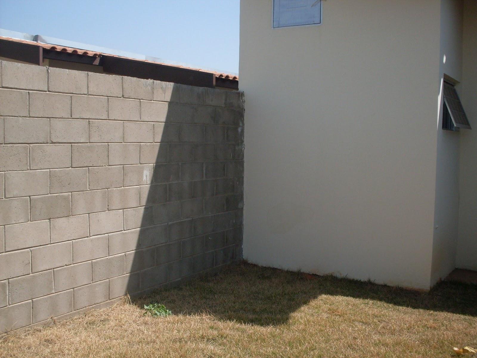 Esse cantinho será a churrrasqueira pia e balcão. A parede será  #30659B 1600x1200 Banheiro Cachorro Grama