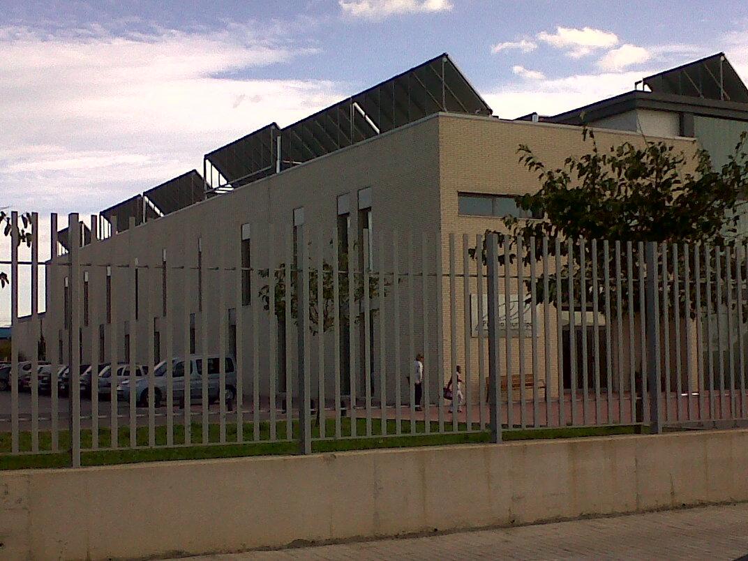 Instalaciones elias grupo elias energia solar for Piscina municipal alcudia