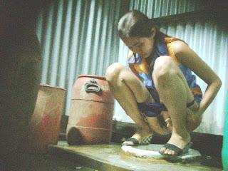 Gambar Bugil Foto Hot ABG Gatal Kencing Sampai Nyembur