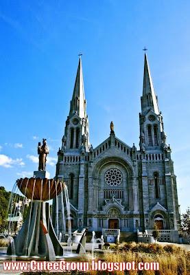 Basilique-St- Anne-de-Beaupre- Quebec (Canada)