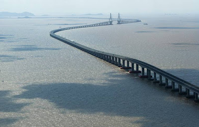 WORLD'S LONGEST BRIDGE...............CHINA Donghai Bridge , China .......................32..5 kilo meters