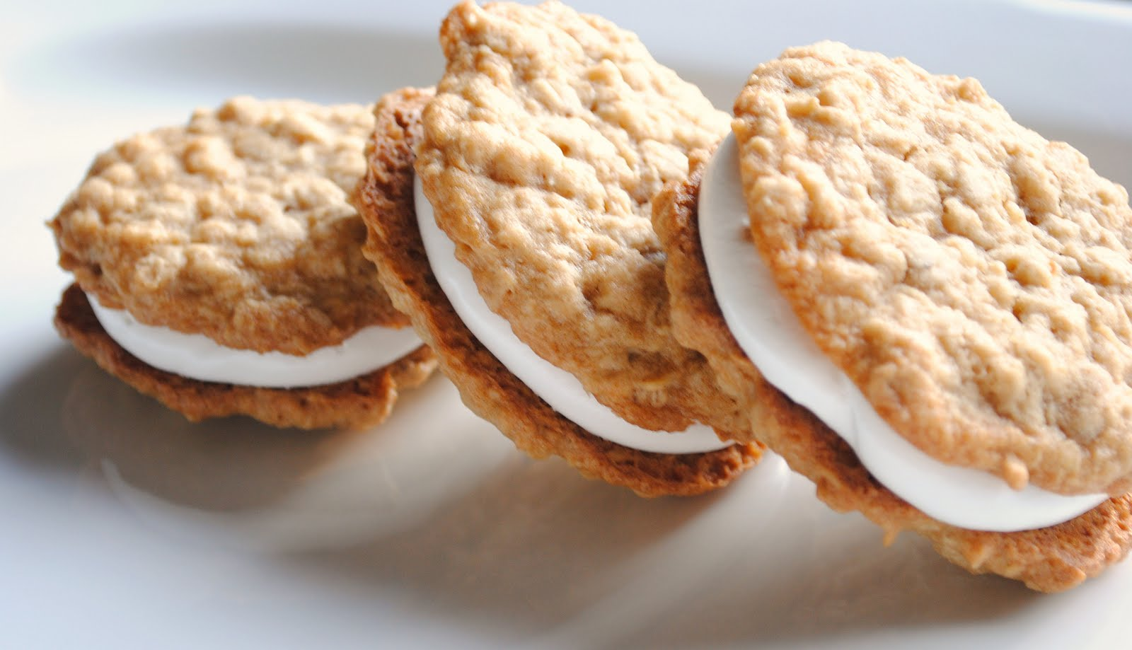 Homemade By Holman: Homemade Oatmeal Cream Pies