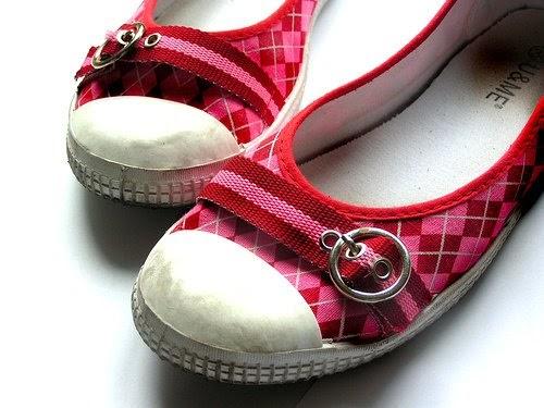 Como quitar el mal olor en los zapatos - Como quitar el olor a cuero ...