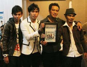 Foto Abdas band setelah launching album