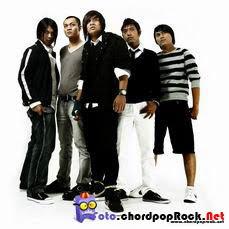 Foto pemotretan Angkasa Band untuk Cover