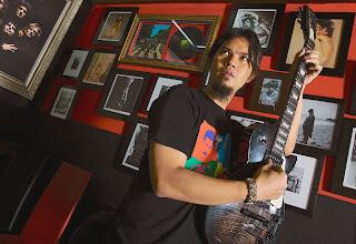 Foto Ahmad Dhani personil Dewa 19 Discography