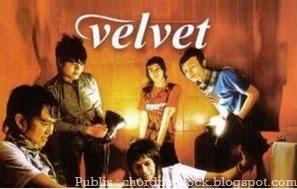 Foto Poster Velvet dari Chord dan Lirik Velvet Mengapa Pantas