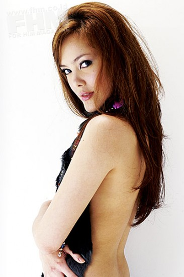 Foto Sexy Vj Cathy di FHM Magazine