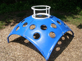 The blue climbing thing