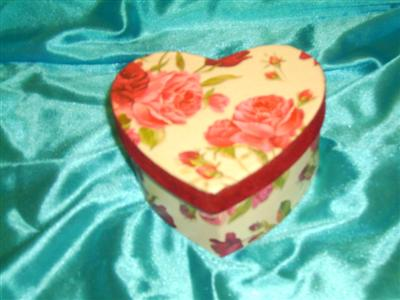 Cutie cadouri inimioara-7ron
