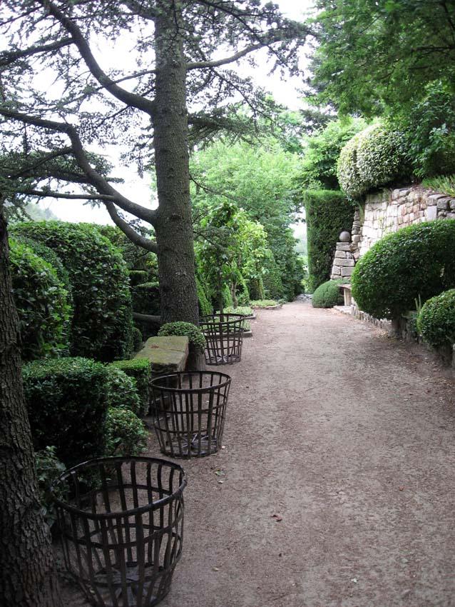 Il faut voyager la louve een sprookjesachtige tuin in bonnieux - Alle tuin ...