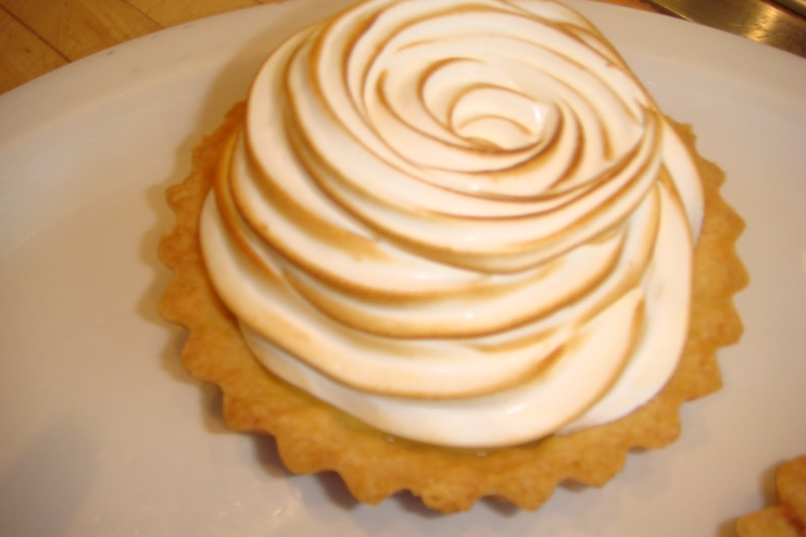 delicious.divine.design: Lemon Meringue Tart
