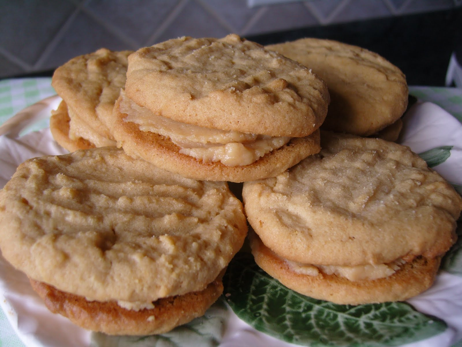 Mennonite Girls Can Cook: Peanut Butter Sandwich Cookies