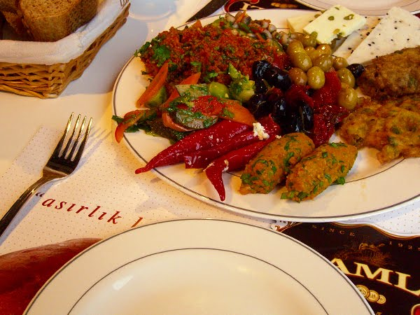 Turkish brunch at Namli Caf in Karaky