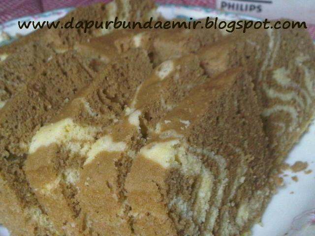 Dapur Bundaemir: Resep cake zebra kukus