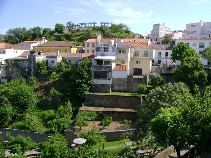 O MIRADOURO VISTO DA QUINTA DA VILA