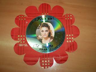 Brujitadelux regalo para mam con cd usado - Manualidades con cd usados ...