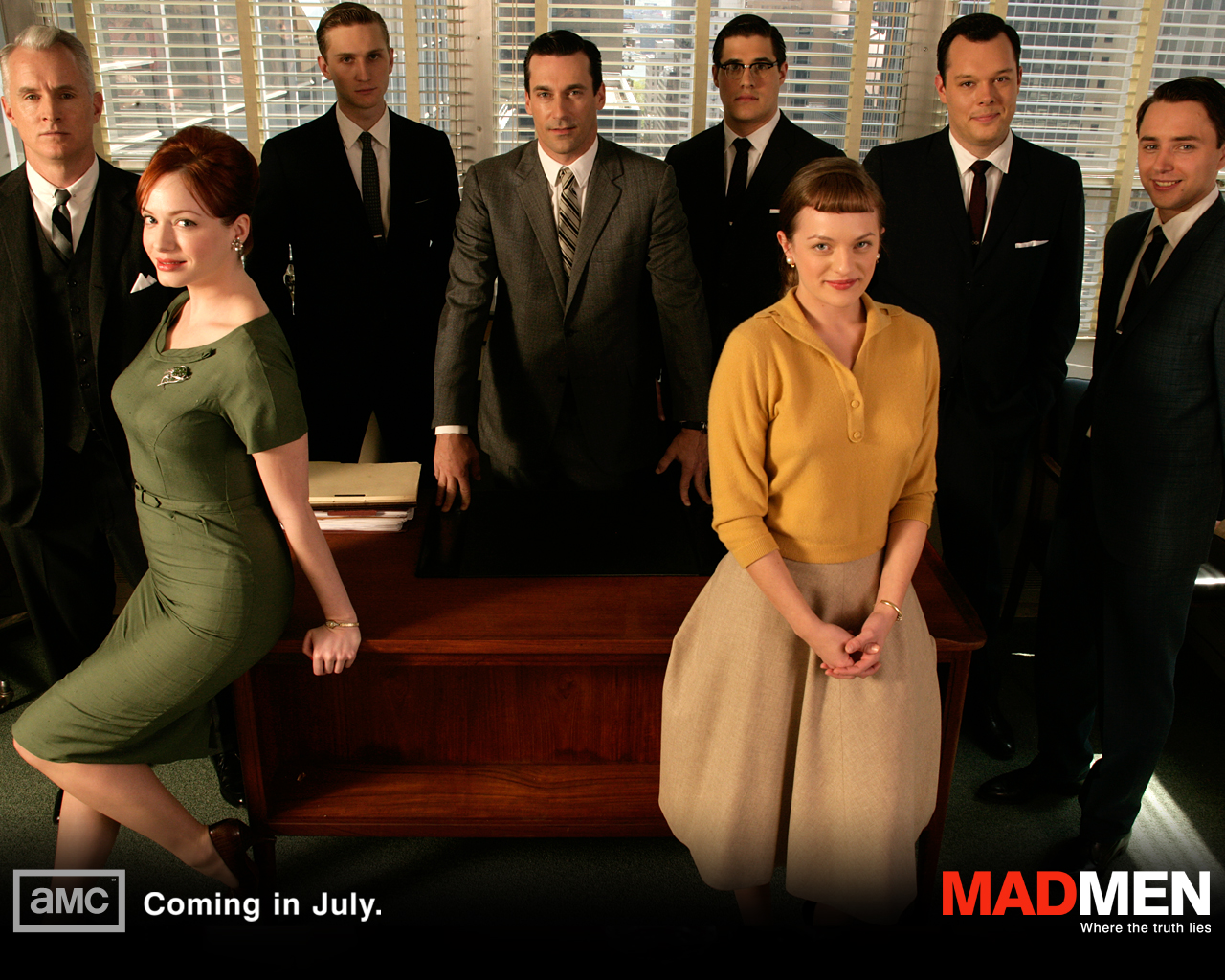 http://1.bp.blogspot.com/_nD_YgZuOadA/TLzPRsbsnDI/AAAAAAAABPI/6bHvTIxN8bY/s1600/Christina_Hendricks_in_Mad_Men_TV_Series_Wallpaper_3_1280.jpg