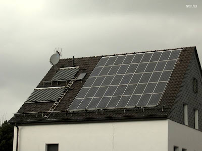 Techo paneles fotovoltaicos y térmico solar